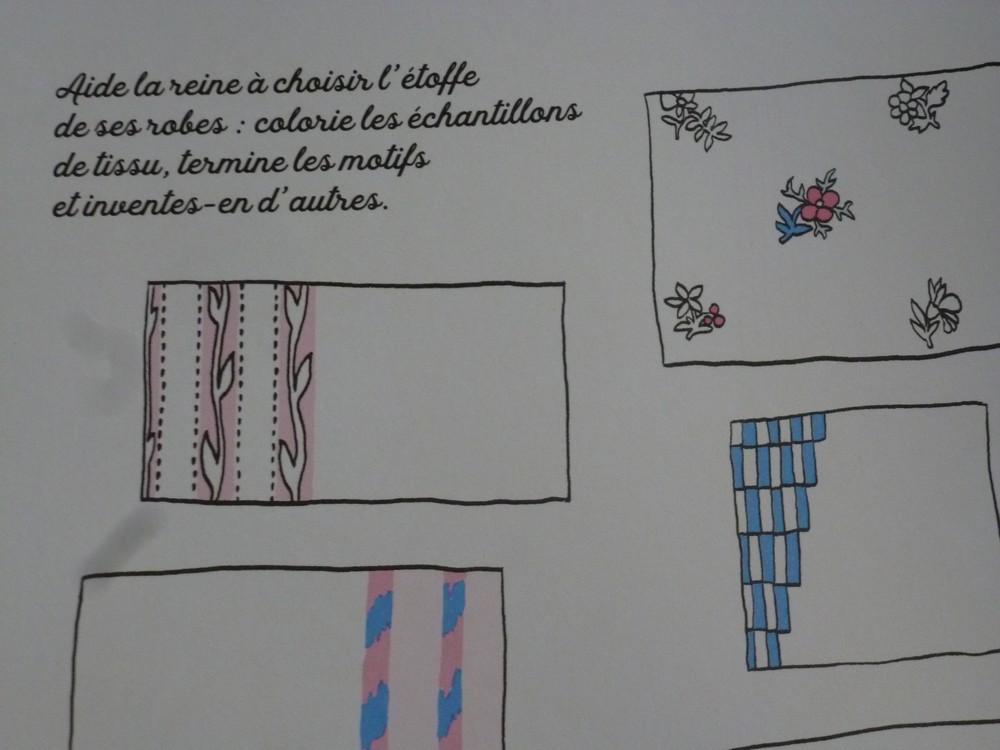Un cahier d'activités Marie-Antoinette! Par les éditions du Patrimoine. P1070146-56c9724